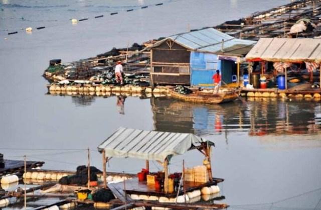 Плавающий город «морских цыган» в Китае