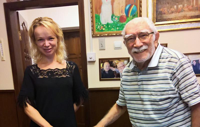 Армен Джигарханян и Виталина Цымбалюк-Романовская - разница в возрасте 45 лет