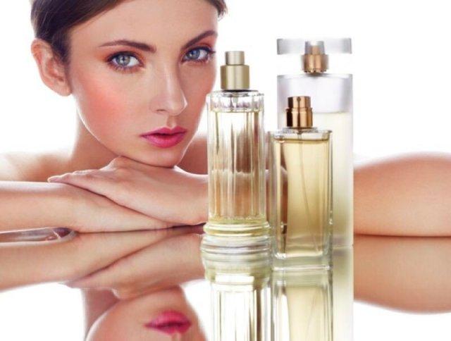 Возраст женщины можно определить по аромату ее духов