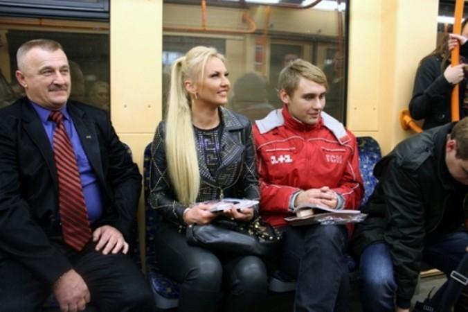 Камалия ездила в метро