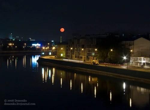 закат красной луны