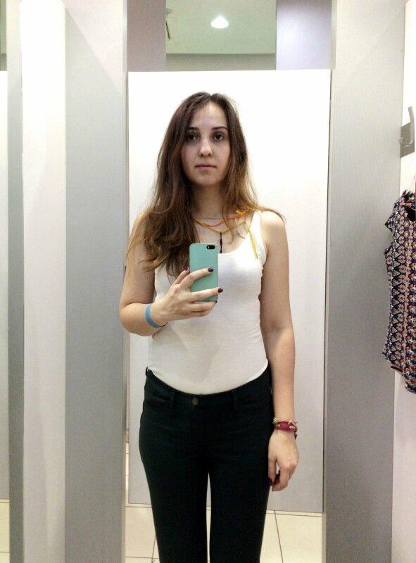 Как выглядит девушка в 13 примерочных известных магазинов