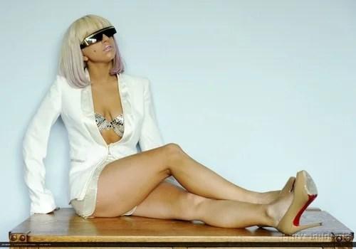 Леди Гага неравнодушна к алкоголю, но, оказывается, это помогает ей сбрасывать лишние килограммы