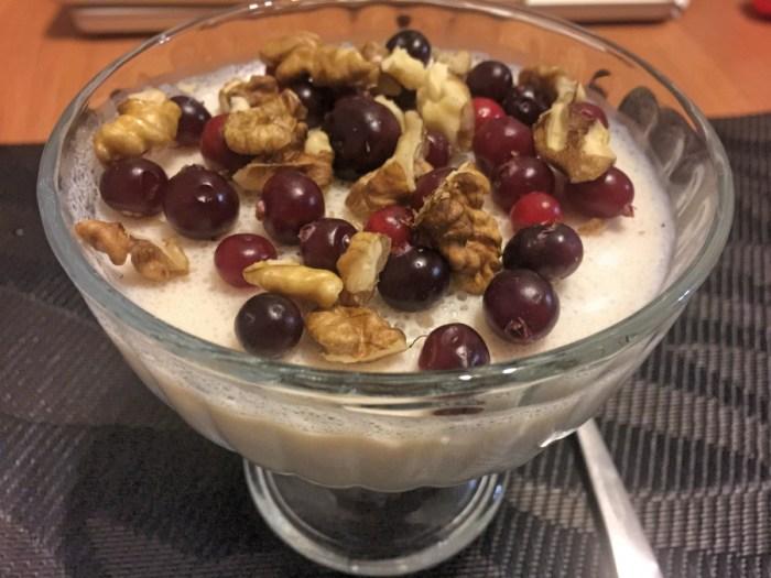 Десерт из ряженки с бананом
