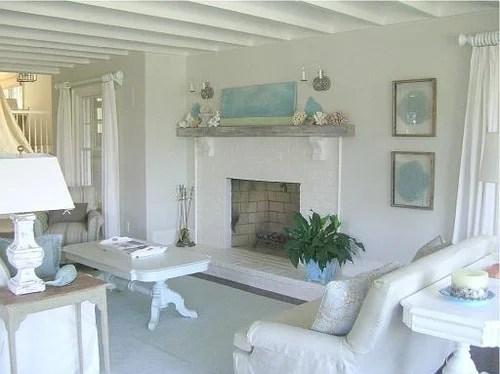 бело-голубой дизайн интерьера коттеджа