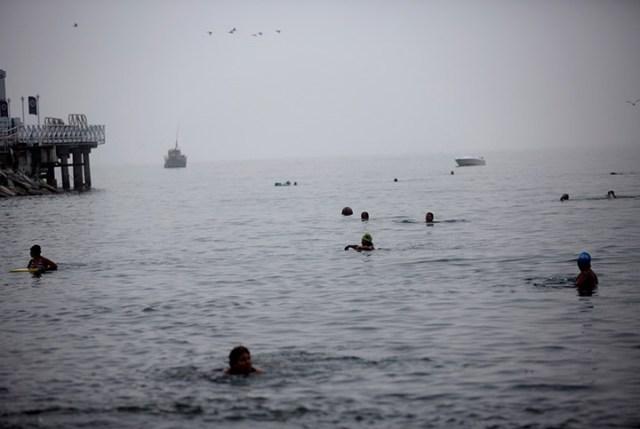 Шокирующие подробности лечения грязью на пляже в Перу