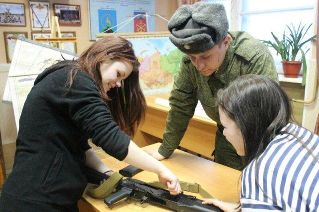 Волонтерские тренинги в воинских частях