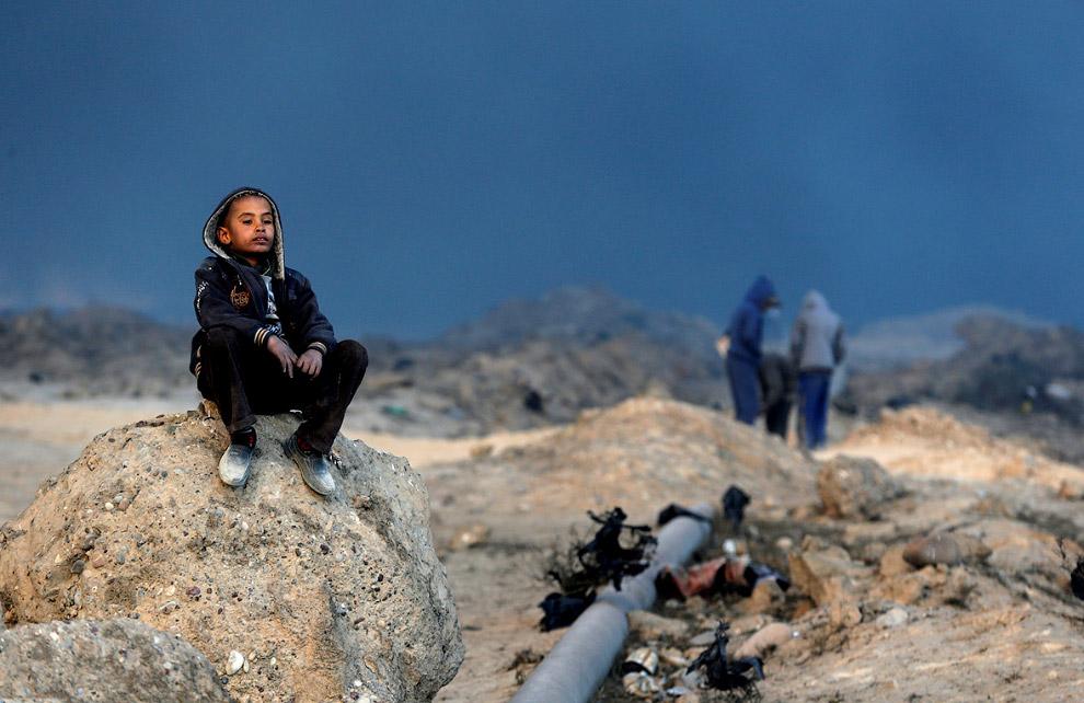 7. Нефть и огонь. (Фото Goran Tomasevic | Reuters):