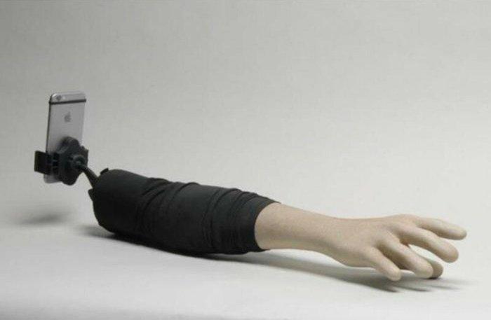 Шесть самых странных приспособлений для любителей селфи