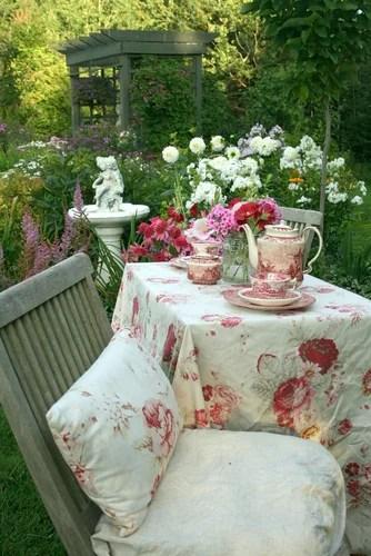 патио в саду