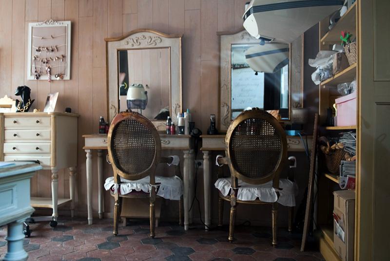 Лион-ла-Форе, парикмахерская
