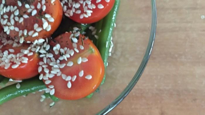 Салат из зелёной фасоли с черри