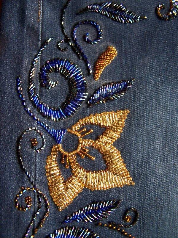 Вышивка бисером на джинсах фото