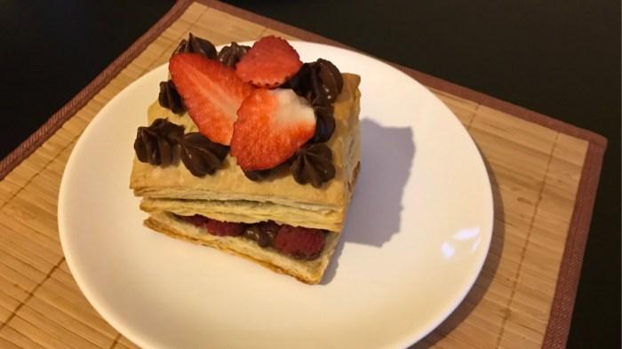 Слоёное пирожное с шоколадным маскарпоне