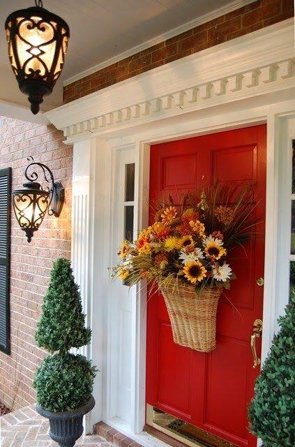 идеи для декорирования входной двери