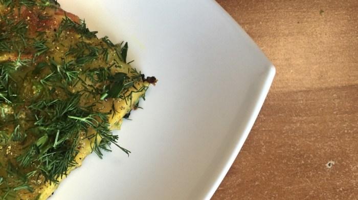 Вегетарианский омлет с овощами