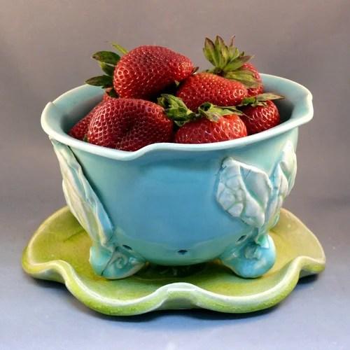 чаша для ягод ручной работы