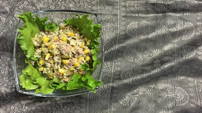 Салат с кус-кусом и сайрой