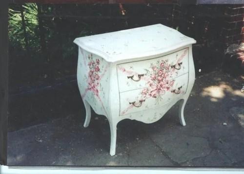 покраска и роспись мебели
