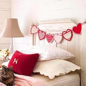 валентинки в декоре спальни
