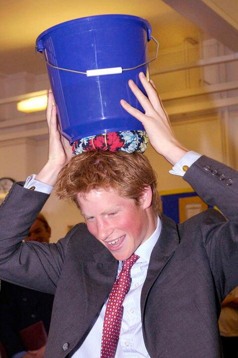 Самый веселый принц в мир: 15 смешных фотографий Гарри