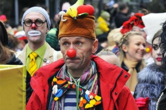 Депутати почувають себе клоунами