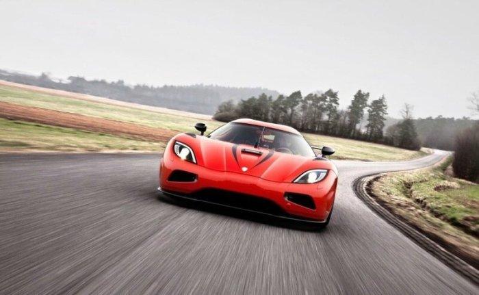 Самые быстрые серийные автомобили, скорость которых превышает 320 км в час