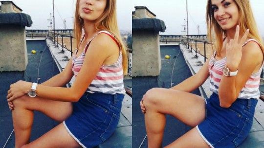 Красотка блондинка позирует на крыше