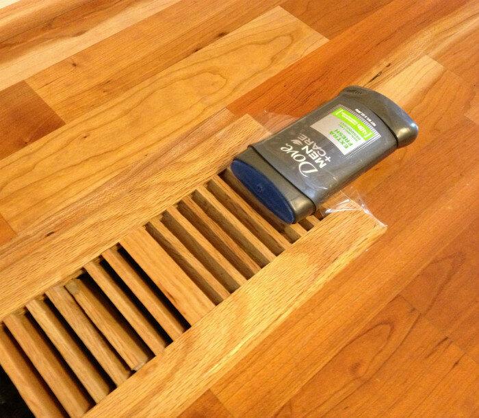 Дезодорант на вентиляционной решетке подарят квартире приятный аромат.