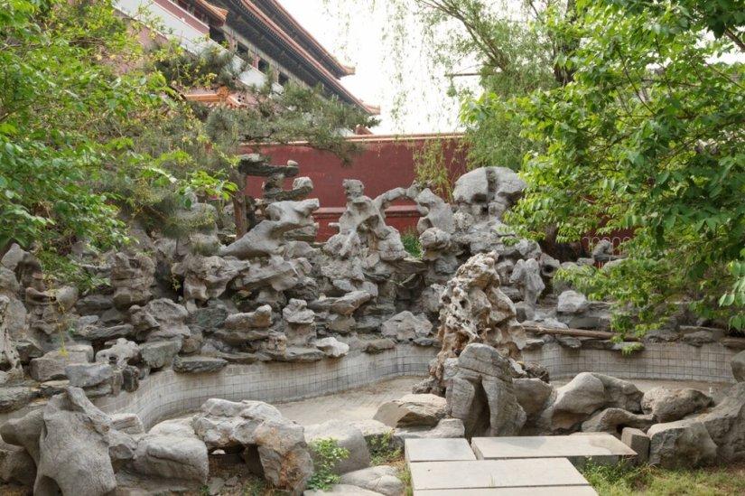 Камни причудливой формы