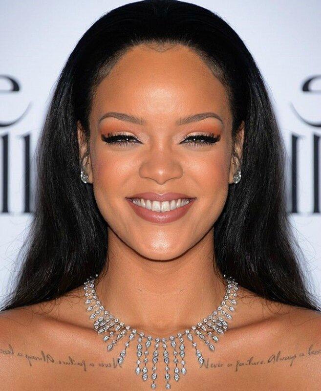 Photoshop: фотографии знаменитостей с симметричными лицами