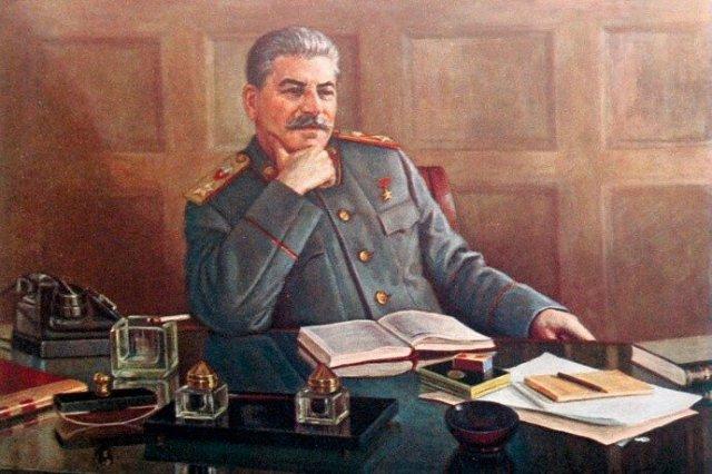 Почему Сталин приказал везде печатать букву Ё
