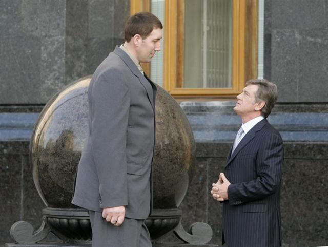 Самый высокий человек в мире умер
