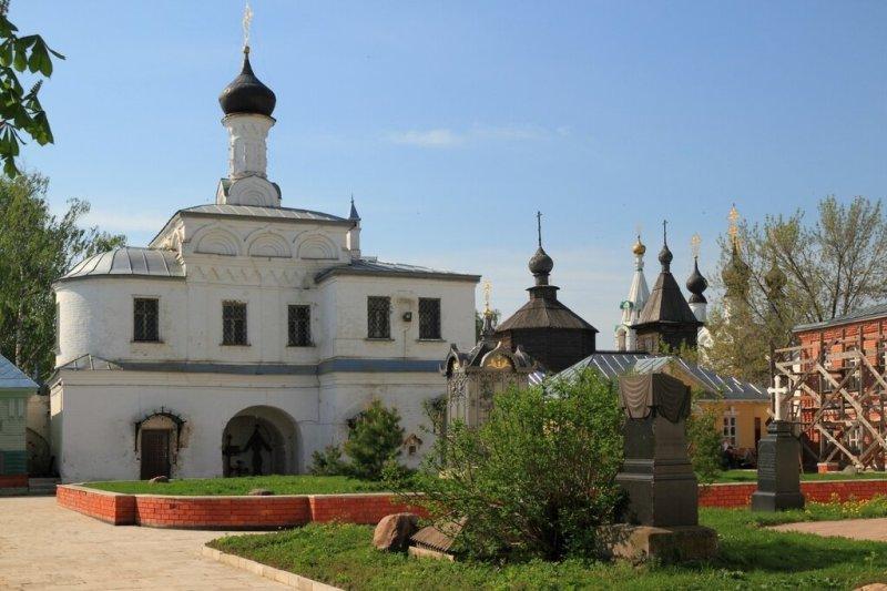 Свято-Благовещенский мужской монастырь, надвратная церковь