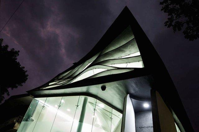 Тающий дом «Эластика»: самый странный дом, который вы когда либо увидите