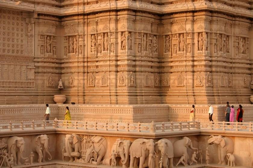 Невероятно красивый храмовый комплекс Акшардхам в Дели