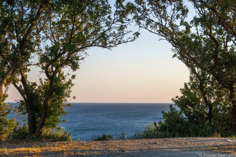 Черное море, Геленджик, Толстый мыс