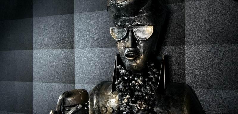 «Гений — это контролируемое безумие». Скульптор Арман Хостикян