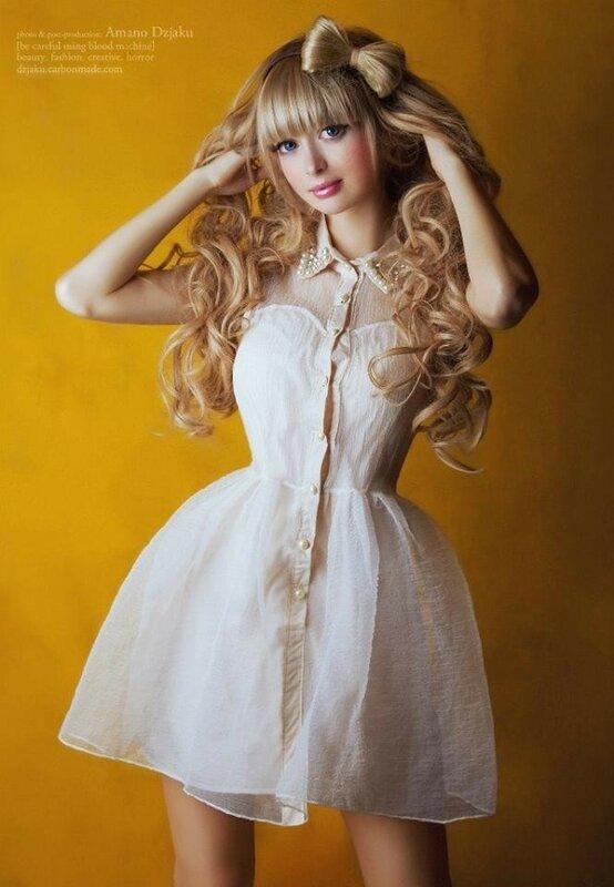 Как родители сами сделали из своей дочки куклу Барби: история московской модели