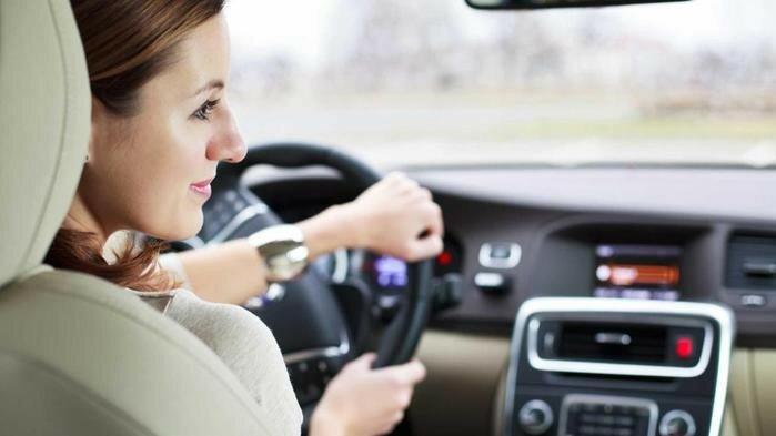 Какие «мужские» автомобили привлекают женщин
