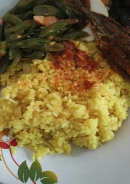 Bekal Nasi Kuning Sangray Untuk Makan Siang