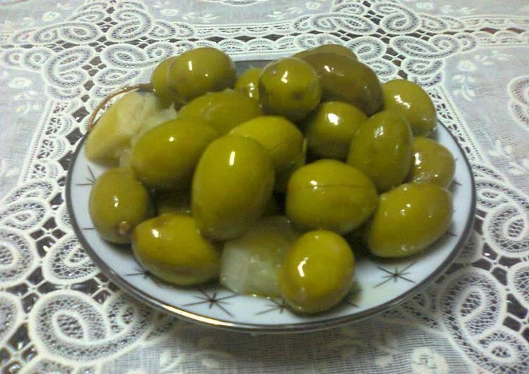 أسهل وأسرع طريقة لتخليل الزيتون الاخضر بالمنزل خطوة بخطوة Olives
