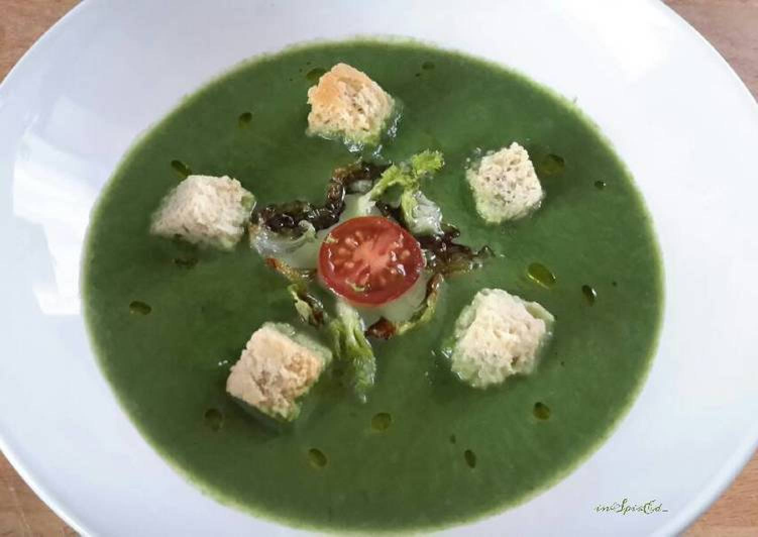 Sig's Green Soup with Spinach, Leeks and Fennel