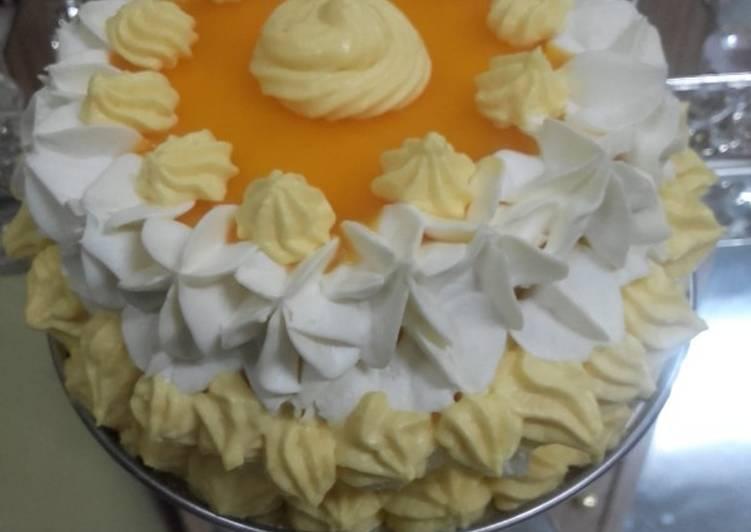 Mango Mini cake Mango whipped cream frosting