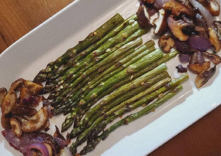 Oven-Roasted Asparagus & Shiitake Mushrooms