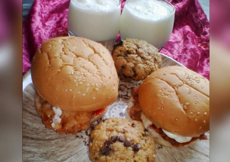 Zinger Burgers with Pineapple Smoothie and Chocolate Chip Cupcak