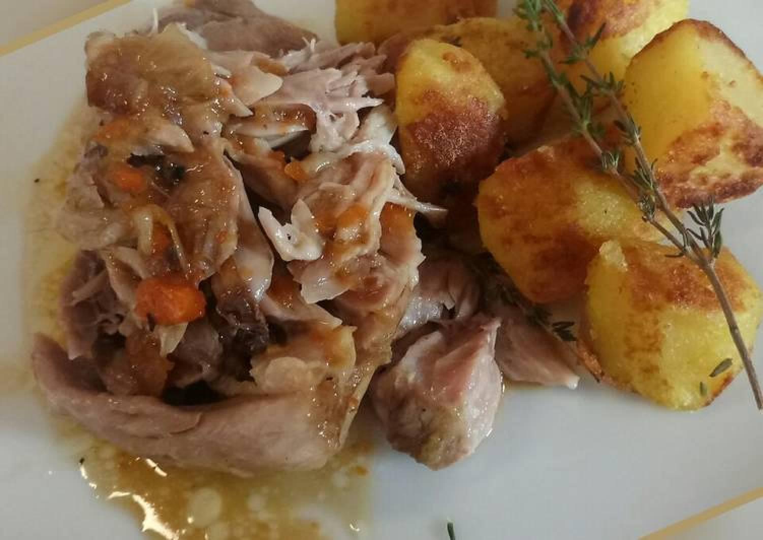 Stinco di maiale slow cooked pork hock