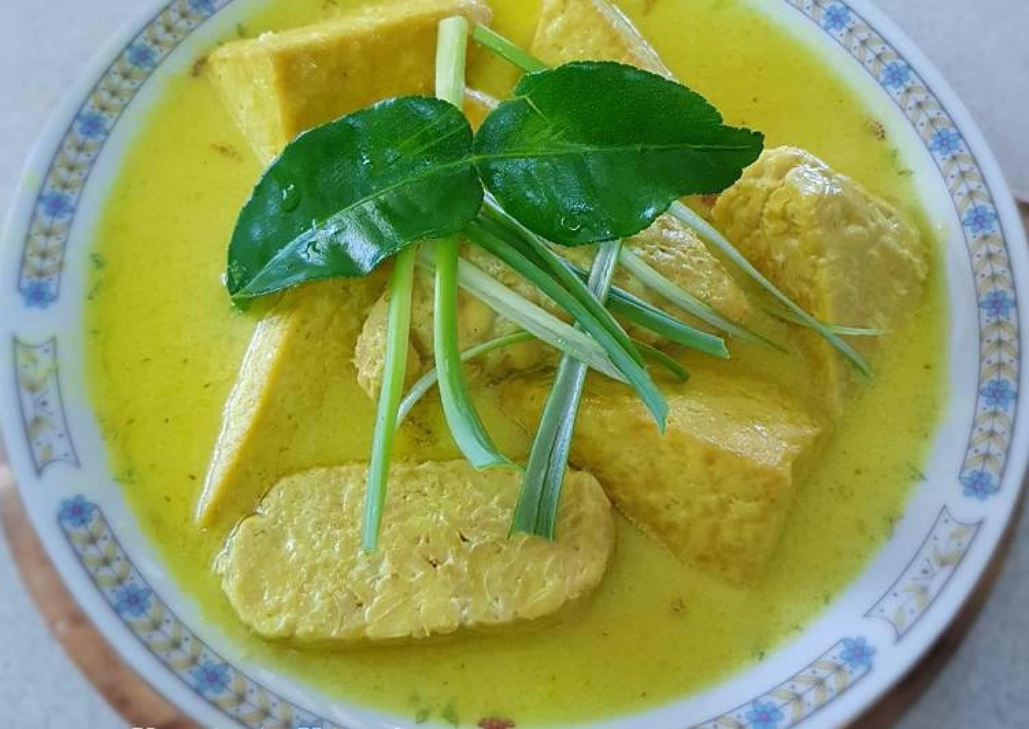 Fried Spiced Fermented Soybean(Tempe) & Bean Curd(Tahu)