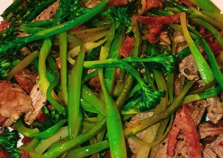 Broccolini noodles with beef and chorizo