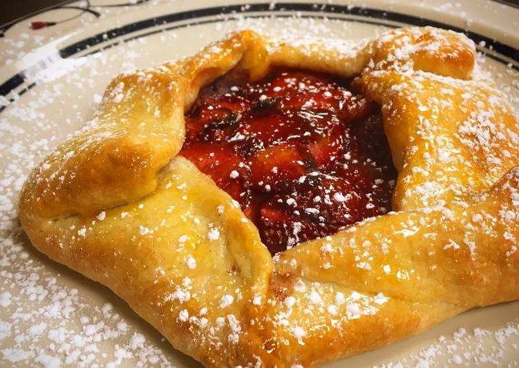 Steps to Prepare Perfect Strawberry Gallette